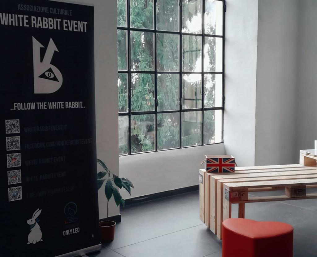 corso inglese- white rabbit event -lingua inglese -biella - inglese -master-corso